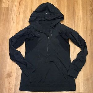 Lululemon black light hooded running jacket size 4